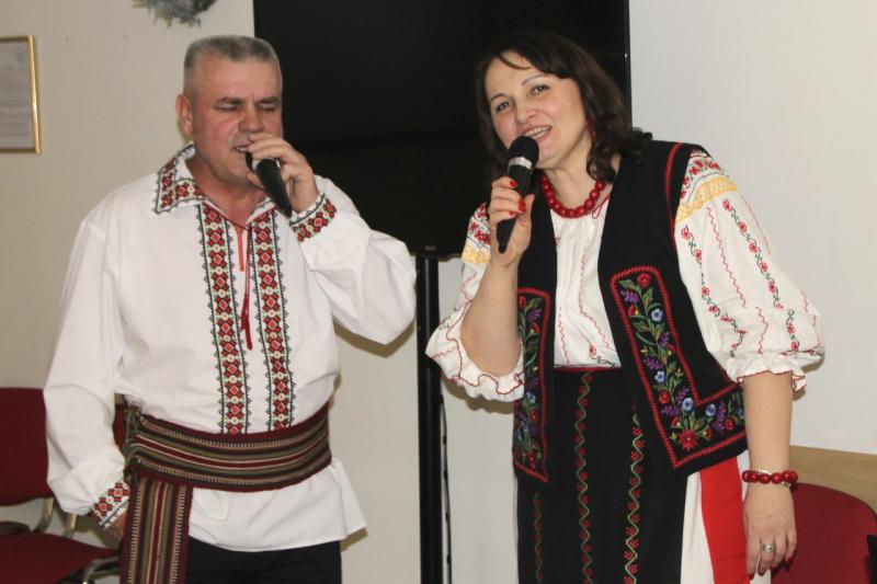 мы в молдавских костюмах
