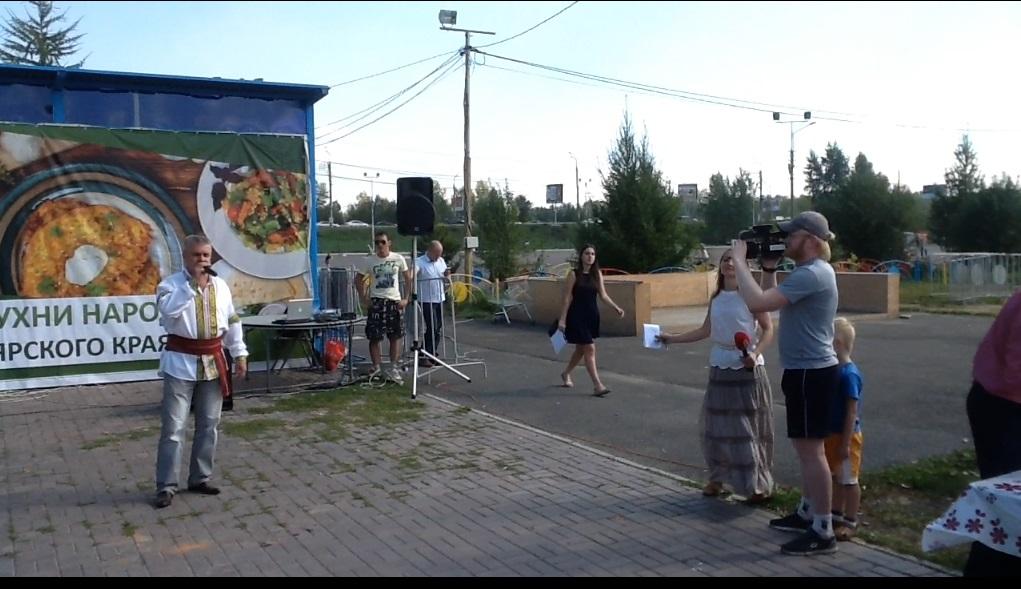 МОлдавская музыка, поет Илья Шеремет