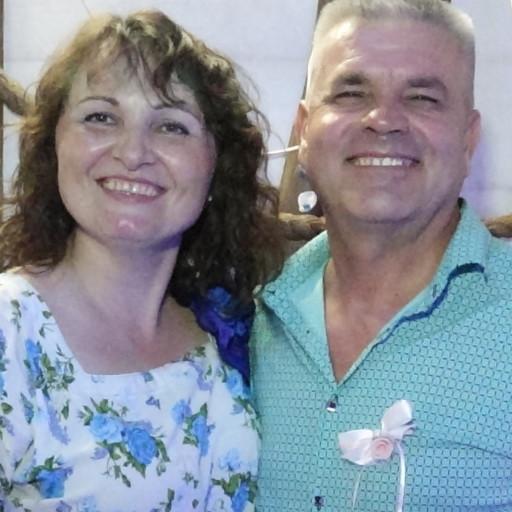 Елена и Илья Шеремет, тамада и певец